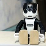 Robohon, the humanoid robot that hopes to revolutionize the mobile telephony